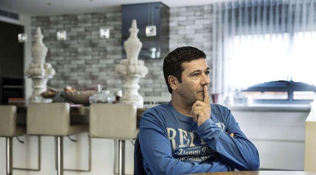 Gilbert Chikli, le 10 novembre 2015, dans sa maison en Israël. – Tsafrir Abayov/AP/SIPA