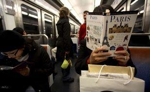 Si certains en profitent pour réviser leurs fondamentaux sur la capitale, il y a bien d'autres choses à faire dans les transports en Ile-de-France.