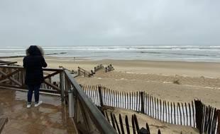 La plage de Lacanau en Gironde est fermée au public depuis le 10 novembre