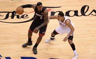 Miami a fait une bonne affaire jeudi en prenant l'avantage du terrain à Oklahoma City grâce à un succès in extremis (100-96) dans le deuxième match de la finale NBA et va désormais jouer trois matches d'affilée dans sa salle.