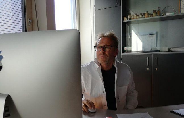 Le docteur en pharmacie Pascal Kintz, ici dans son bureau du laboratoire de toxicologie de l'institut médico-légal de Strasbourg, a notamment défendu Christopher Froome grâce à ses analyses de cheveux.
