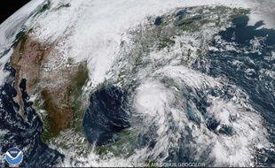 L'ouragan Michael, qui menace la Floride, est passé en catégorie 3 le 9 octobre 2018.