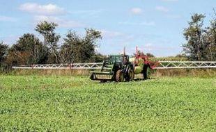 Les agriculteurs utilisent de nombreux produits phytopharmaceutiques.