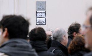 Le 26 avril 2011, Rémy Louvradoux s'est suicidé sur son lieu de travail après 32 années passées chez France Télécom.
