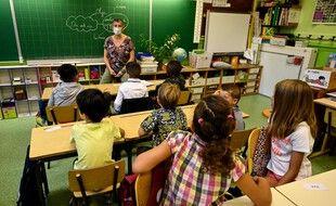 Une enseignante devant sa classe à Montpellier (image d'illustration).