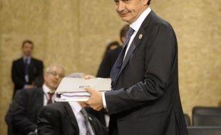 Le chef du gouvernement espagnol, Jose Luis Rodriguez Zapatero, a annoncé qu'il convoquerait prochainement les 25 principales entreprises du pays pour tenter d'accélérer la sortie de crise, dans une interview publiée dimanche par le quotidien El Pais.