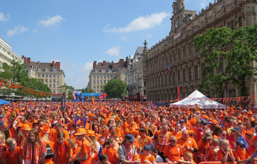 VIDEO. Coupe du monde féminine: Une marée orange impressionnante a envahi les rues de Valenciennes