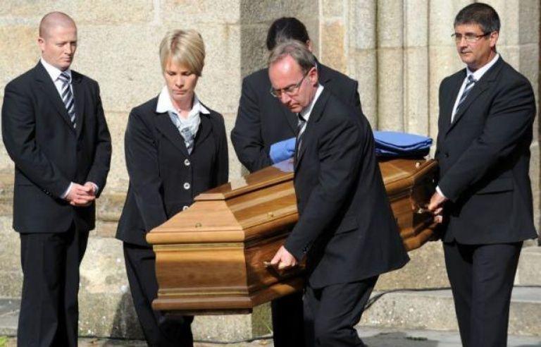 Landerneau Rend Un Dernier Hommage A Son Epicier Edouard Leclerc