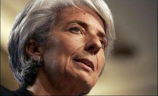 """La ministre de l'Economie Christine Lagarde a annoncé vendredi qu'elle allait demander des """"explications"""" au directeur général de la banque BNP Paribas, qui a gelé trois fonds d'investissements en raison de la crise des subprimes."""