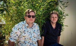 Alexandre Stevens (à gauche) et Mathieu Fonsy (à droite), les deux programmateurs de Marsatac et de Dour.