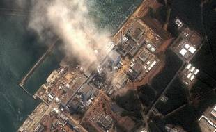 Vue aérienne de la centrale nucléaire de Fukushima-Daiichi, au Japon, le 14 mars 2011.