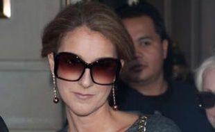 La chanteuse Céline Dion quitte son hôtel de New York, le 14 octobre 2009.