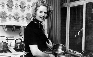 """""""Figure majeure"""" mais aussi """"macho de droite"""": si les réactions politiques au Royaume-Uni soulignaient l'importance historique de Margaret Thatcher, le décès de la Dame de Fer suscitait aussi des commentaires plus féroces, à l'image de sa personnalité hautement controversée."""