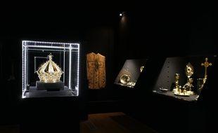 La couronne a été dérobée dans la nuit de samedi à dimanche.