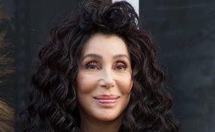 La chanteuse et actrice Cher