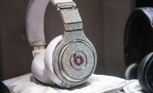 Le casque stéréo de Dr. Dre par Beats et & GRAFF Diamonds le 31 janvier 2014