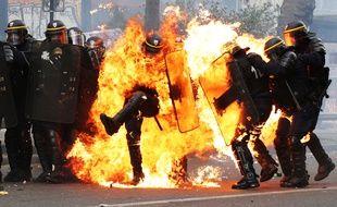 Un CRS a été grièvement brûlé lundi en marge des manifestations du 1er mai.