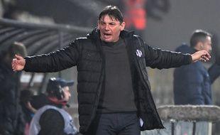Le courroux de l'entraîneur du TFC Michaël Debève à Metz, le 3 mars 2018.