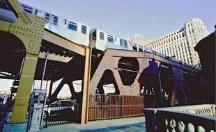 Le Loop, célèbre métro circulaire, utilisé à souhait par les scénaristes américains.