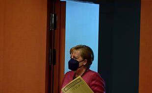 Merkel dément la proposition du gouvernement en mars 2020 de fournir des masques non certifiés aux SDF.