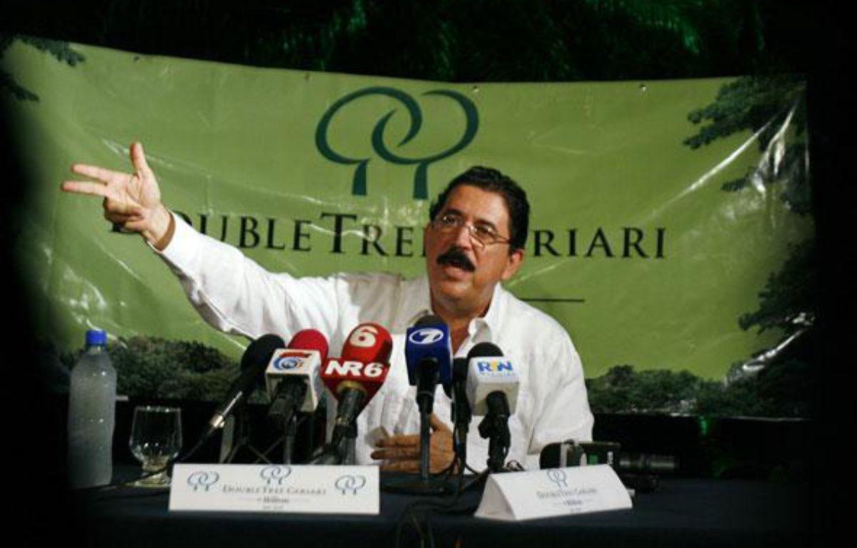 Conférence de presse du président du Honduras exilé, Manuel Zelaya, avant son départ pour le Nicaragua le 28 juin 20069. – JC.ULATE/REUTEUS