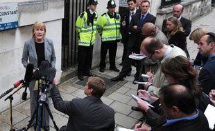 L'enquête sur la mort mystérieuse d'un espion britannique dont le corps a été retrouvé en état de décomposition avancée dans un sac a suscité plus de questions qu'elle n'a appporté de réponses mercredi à Londres, en concluant que Gareth Williams a probablement été tué, sans établir par qui, comment et pourquoi.
