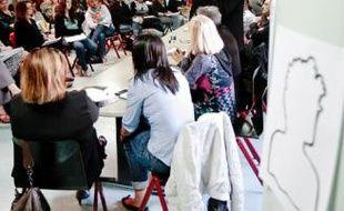 Hier, lors d'une table-ronde sur la violence, au lycée Diderot.