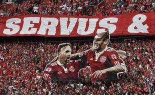 Ribéry et Robben ont été fêtés par les supporters du Bayern à l'Allianz Arena.