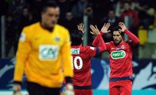 Il y avait cinq divisions d'écart mais le Paris SG a bel et bien souffert pour battre Arras, club de CFA2, dimanche à Calais (4-3) et se qualifier pour les 16e de finale de la Coupe de France.