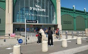 Le centre commercial du Val d'Europe (Seine-et-Marne) a pu rouvrir totalement ses portes à partir du 30 mai, au-delà des commerces essentiels