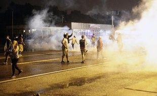 Emeutes à Ferguson (Missouri), le 17 août 2014 après la mort d'un jeune Noir Michael Brown