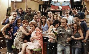 Le casting de « Plus Belle La Vie »en 2010, pour les 10 ans de la série