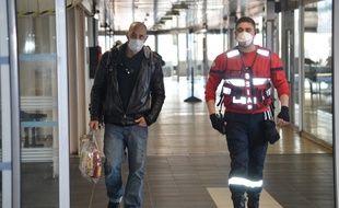 Le 24 février 2020, en gare de Perrache à Lyon, où en raison d'une suspicion de coronavirus, les passagers d'un car venant d'Italie ont été confinés quelques heures.