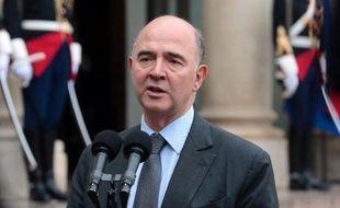 Le ministre de l'Economie Pierre Moscovici a promis dimanche une stabilisation des prélèvements obligatoires en 2015, puis une baisse, au moment où le gouvernement est en proie à des tensions sociales croissantes.