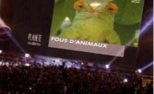 L'écran géant, ici sur le Champs de Mars à Paris, sera demain à Grenoble
