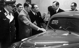 Les héritiers du constructeur automobile Louis Renault vont demander mercredi réparation à la justice pour la nationalisation de la firme en 1945, démarche perçue comme une tentative de réhabilitation de l'industriel accusé de collaboration avec l'Allemagne nazie.