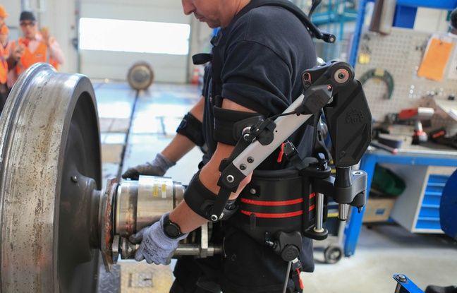L'exosquelette Shiva Exo, en test au Technicentre de la SNCF à Bischheim. Le 15 mai 2019.