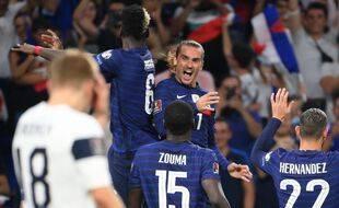 Antoine Griezmann incarne mieux que quiconque le changement de visage montré par les Bleus, mardi à Décines. FRANCK FIFE