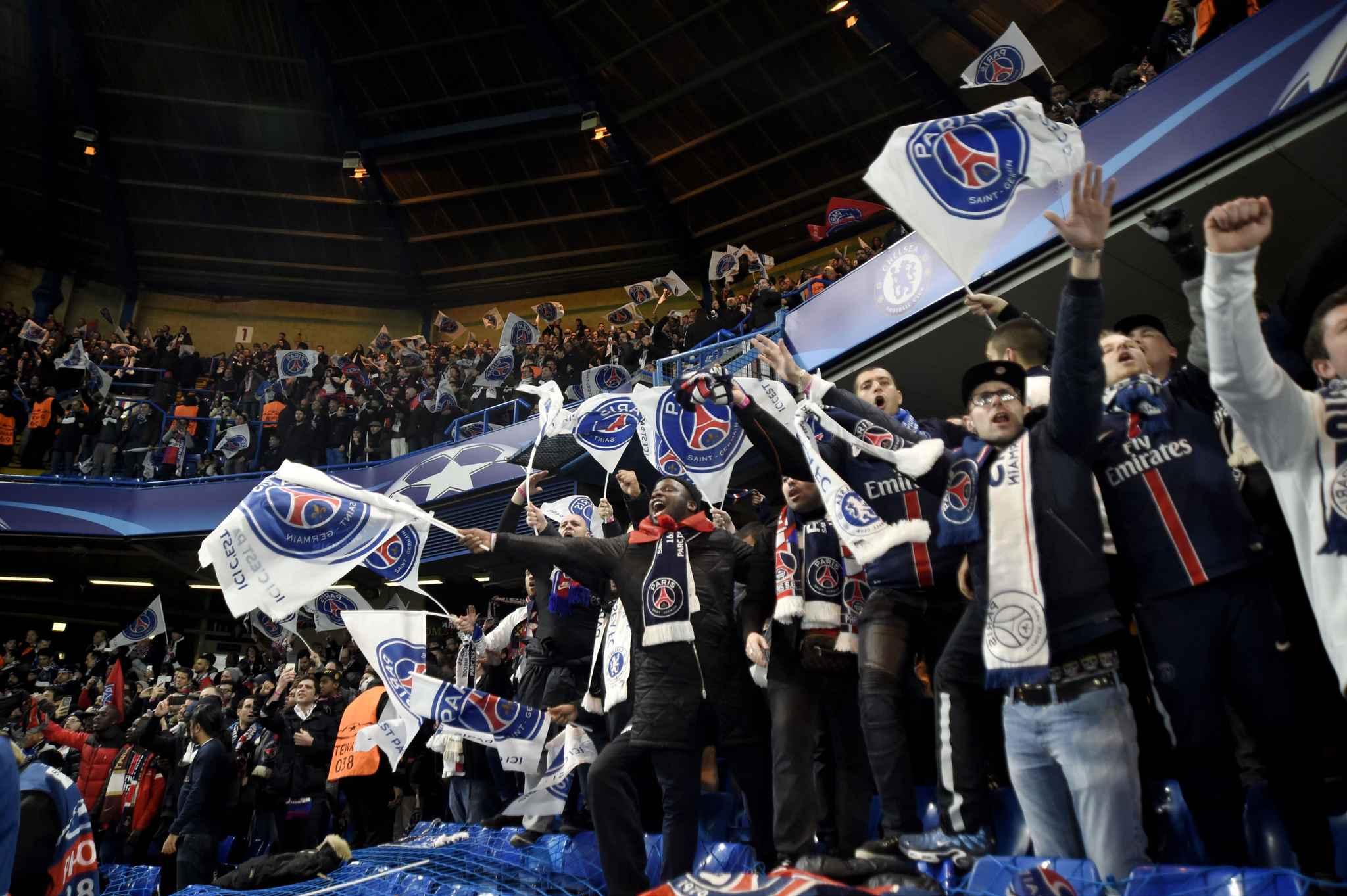 chelsea psg des supporters parisiens emp ch s d 39 acc der au stade. Black Bedroom Furniture Sets. Home Design Ideas