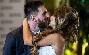 Lionel Messi et Antonella lors de leur mariage