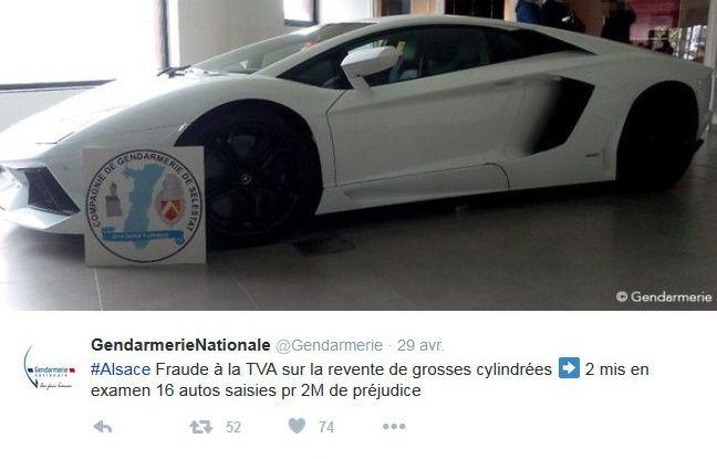 La gendarmerie nationale a publié cette photo d'une grosse cylindrée et de l'écusson des gendarmes de Sélestat sur Twitter pour annoncer le démantèlement d'un réseau de fraudeurs à la TVA.
