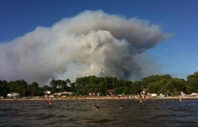 L'incendie 16 aout 2012 aux alentours de Lacanau. Photo internaute 20minutes.fr
