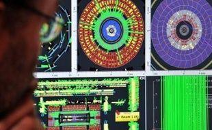 Le plus grand instrument de physique au monde, le Grand collisionneur de hadrons (LHC), a été mis en route mercredi près de Genève, avec pour mission de recréer les conditions d'énergie intense des premiers instants de l'univers