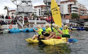 VIDEO. Alsace: Des sorties insolites pour un été pas banal. Ici, la course de baignoires.