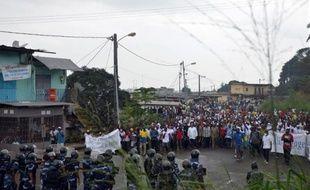 Manifestation interdite de l'opposition à Libreville, qui a donné lieu à des heurts avec les forces de l'ordre, le 20 décembre 2014