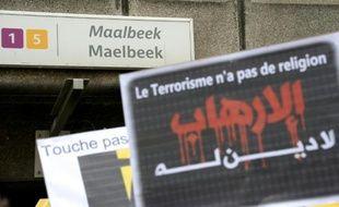 Station de métro de Maelbeek à Bruxelles le 9 avril 2016, lors d'un hommage rendu par des organisations musulmanes aux victimes des attentats du 22 mars dans la capitale belge