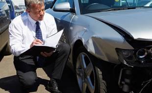 Lors d'un grave sinistre, un expert va évaluer si le montant des réparations n'excède pas la valeur de votre voiture.