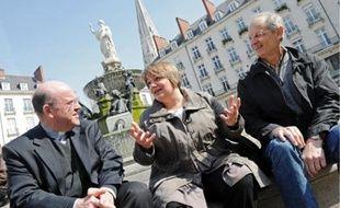 Le père Benoît Bertrand, le pasteur Caroline Schrumpf et François Tellier.