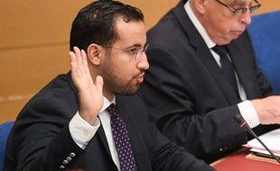 Alexandre Benalla prête serment devant la commission d'enquête du Sénat le 19 septembre 2019.