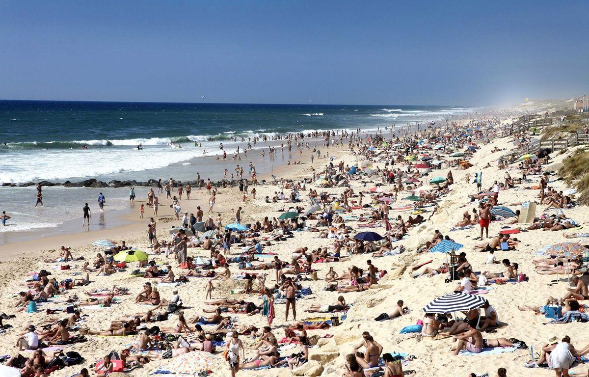 La plage de Lacanau est très prisée pendant la saison estivale. – COUTIER BRUNO/SIPA
